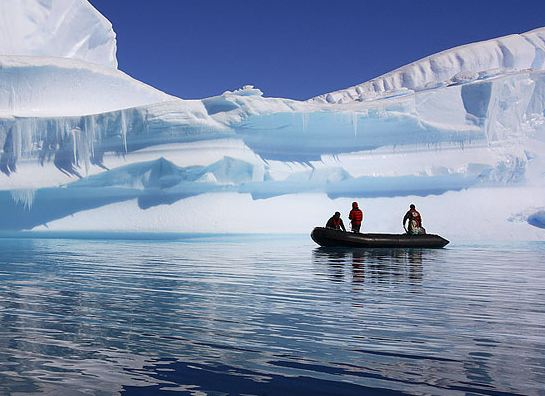 Kayaking in Antarctica, Antarctica travel with Argentina For Less