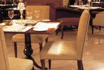 Hotel Caesar Park - Dining room table