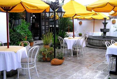 Quito Hotel Hostal Fuente De Piedra I Photos Amp Info